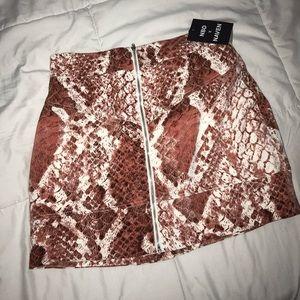 💋NBD REVOLVE Snakeskin Mini Skirt